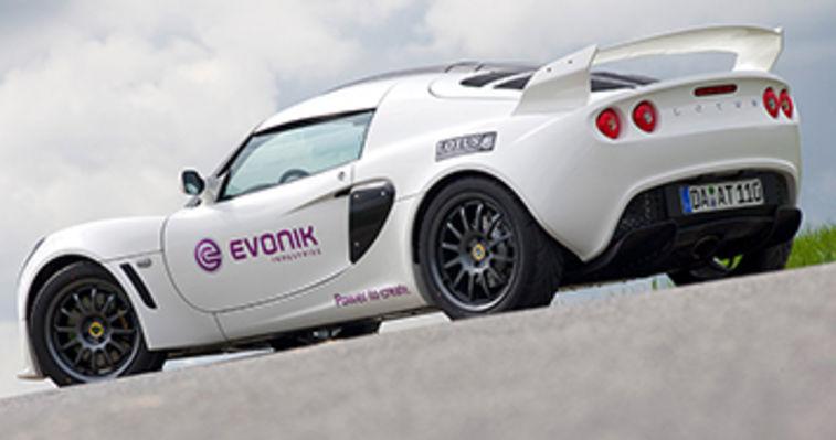 white lotus racing car dicyanex